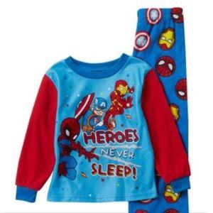 AME Sleepwear Marvel pajama set